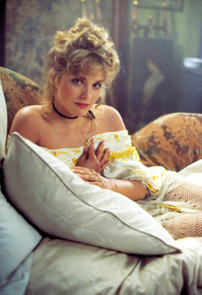 IRRECONCILABLE DIFFERENCES, Sharon Stone, 1984, pillow