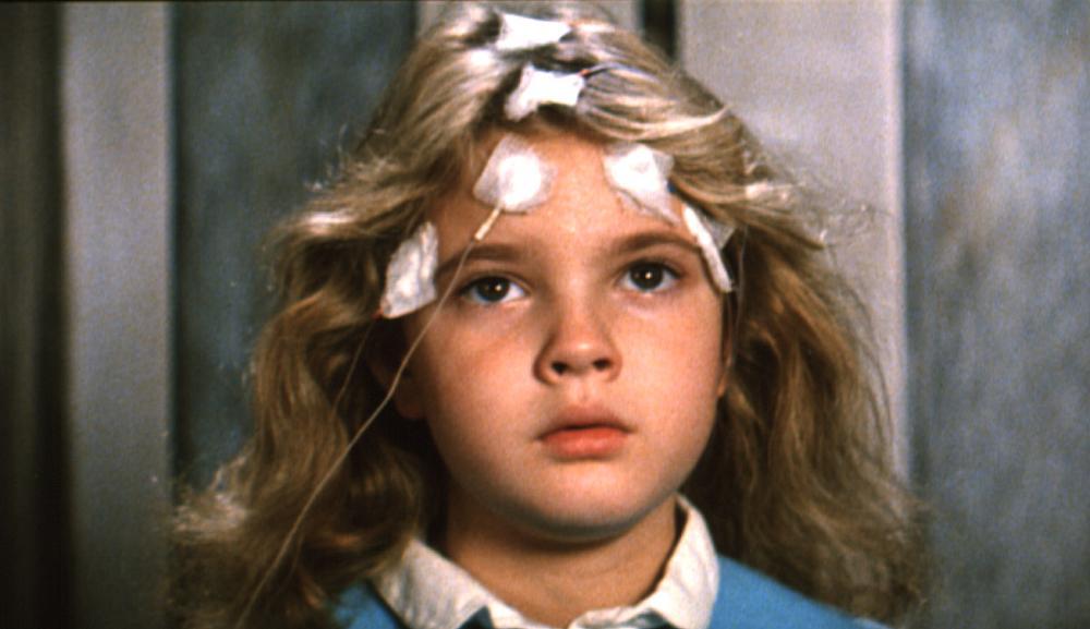 FIRESTARTER, Drew Barrymore, 1984, wires