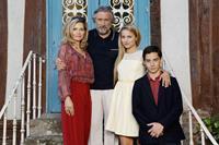 THE FAMILY, l-r: Michelle Pfeiffer, Robert DeNiro, Dianna Agron, John D'Leo, 2013, ph: Jessica Forde/©Relativity Media