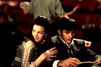 THAT THING YOU DO, Liv Tyler, Johnathon Schaech, 1996, arm around shoulder