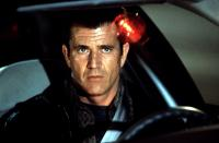 LETHAL WEAPON 4, Mel Gibson, 1998, police light