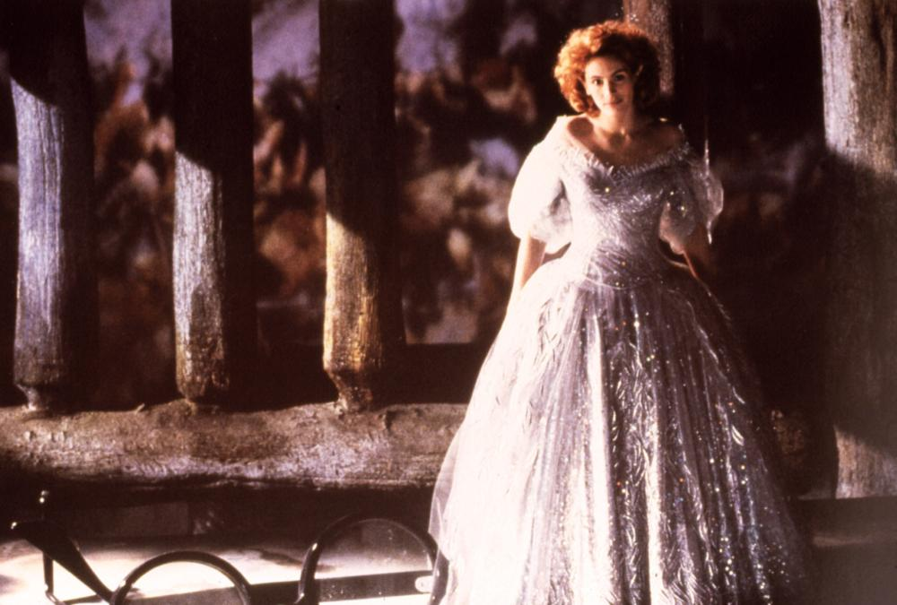 HOOK, Julia Roberts, 1991, gown