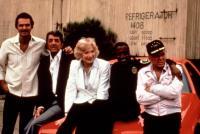 CANNONBALL RUN II, Burt Reynolds, Dean Martin, Shirley MacLaine, Sammy Davis, Jr., Frank Sinatra, 1984