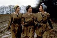 THE LAND GIRLS, Anna Friel, Catherine McCormack, Rachel Weisz, 1998, © Gramercy Pictures