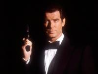 TOMORROW NEVER DIES, Pierce Brosnan, 1997, gun