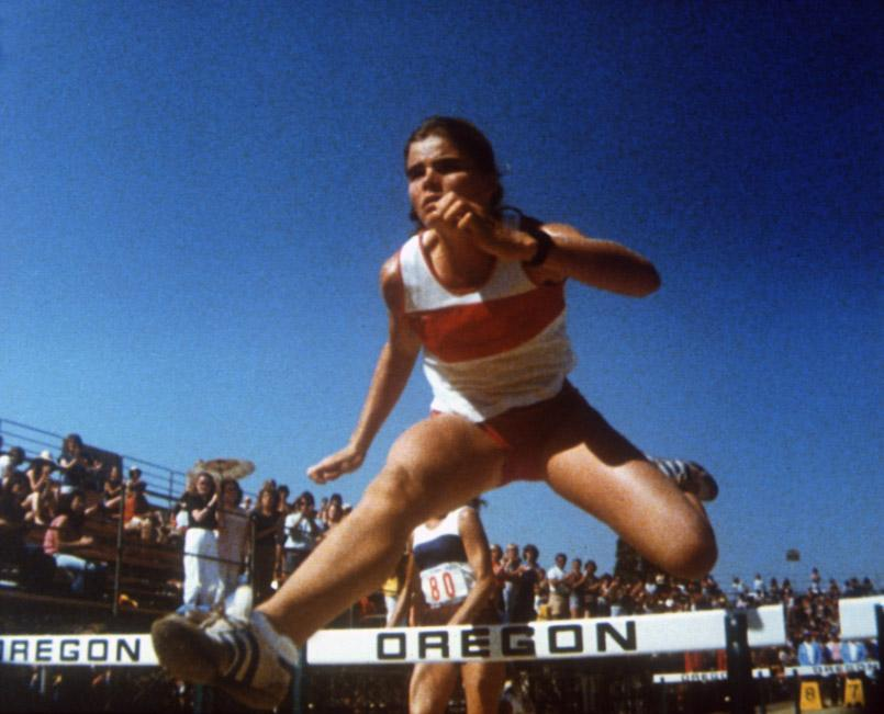 PERSONAL BEST, Mariel Hemingway, 1982, leaping the hurdle