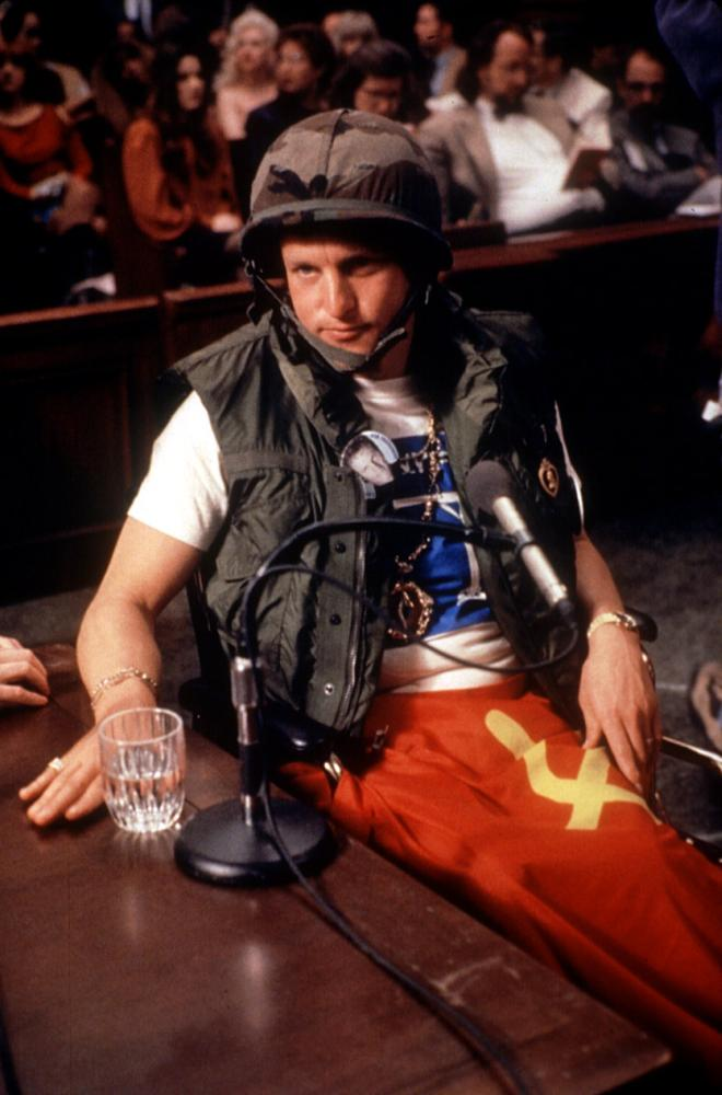 THE PEOPLE VS. LARRY FLYNT, Woody Harrelson, 1996, in army uniform in courtroom