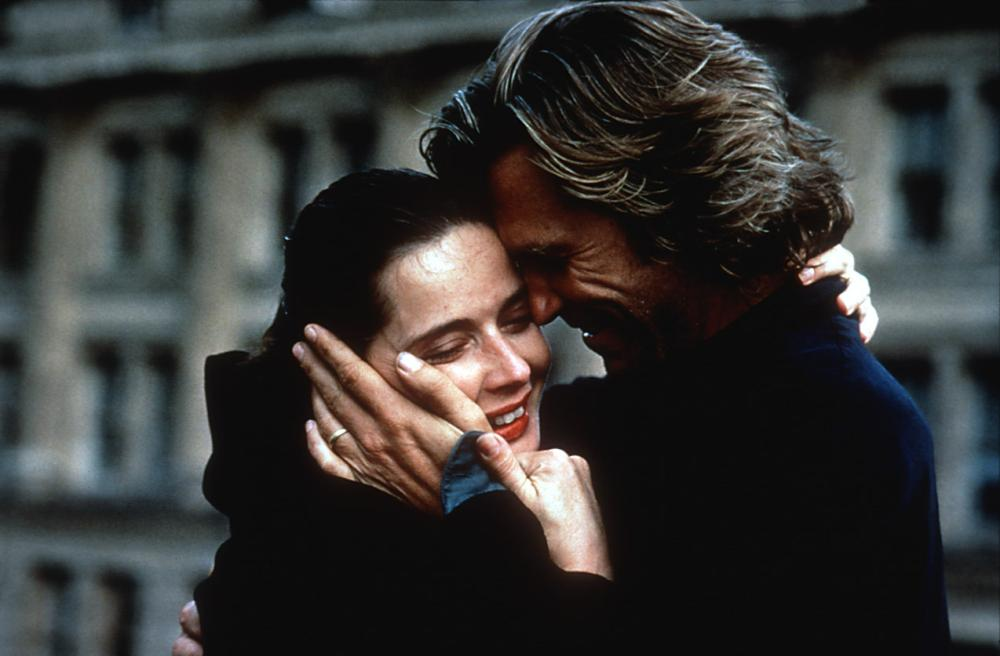 FEARLESS, Isabella Rossellini, Jeff Bridges, 1993, embracing