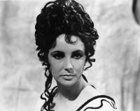 CLEOPATRA, Elizabeth Taylor, 1963. TM and Copyright © 20th Century Fox Film Corp. All rights reserved..