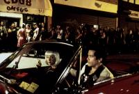 SUMMER OF SAM, Mira Sorvino, John Leguizamo, 1999, outside the nightclub