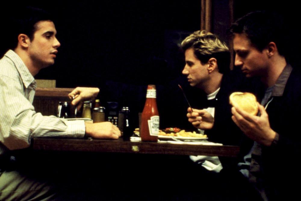 SPARKLER, Freddie Prinze Jr., Jamie Kennedy, Steven Petrarca, 1999, eating at a restaurant