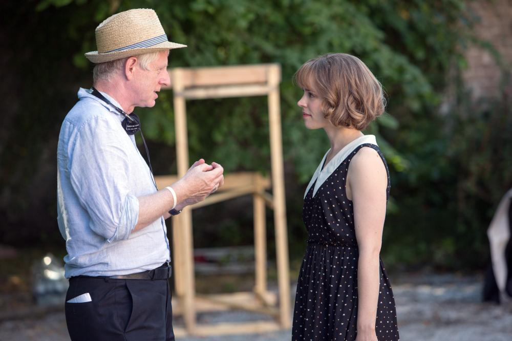 ABOUT TIME, from left: director Richard Curtis, Rachel McAdams, on set, 2013. ph: Murray Close/©Universal