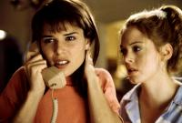SCREAM, Neve Campbell, Rose McGowan, 1996