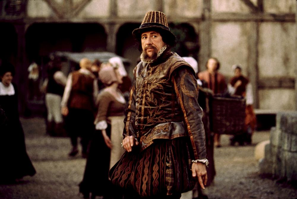 analysis of film shakespeare in love The god of my idolatry i confess shakespeare in love was my pick over saving private ryan in 1999 for best movie of the year as i've said elsewhere, private ryan isn't even the best war movie of the year, the thin red line, is better.