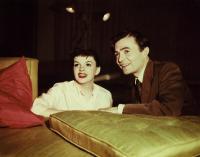 A STAR IS BORN, Judy Garland, James Mason, 1954