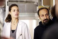 THE PAST, from left: Berenice Bejo, director Asghar Farhadi, on set, 2013. ph: Carole Bethuel/©Sony Pictures Classics