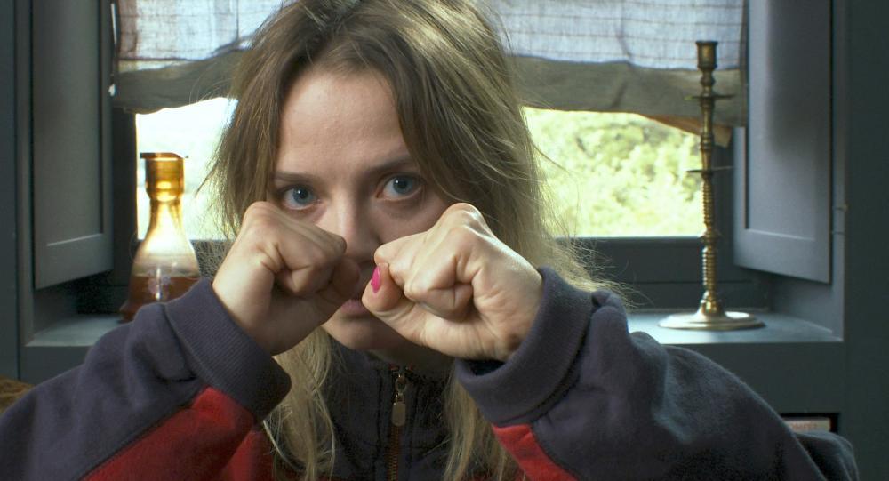 LOVE BATTLES, (aka MES SEANCES DE LUTTE), Sara Forestier, 2013. ©Adopt Films