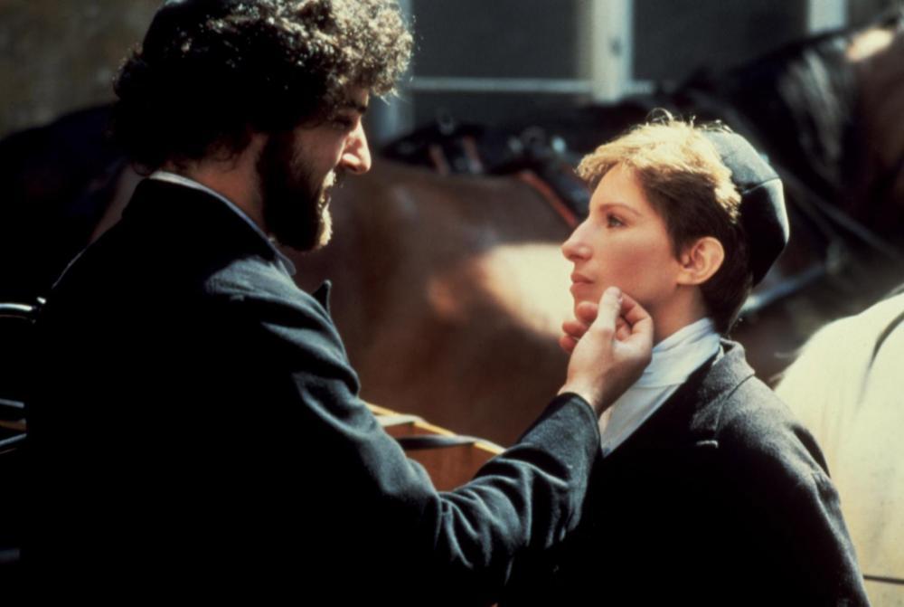 YENTL, Mandy Patinkin, Barbra Streisand, 1983, touching cheek