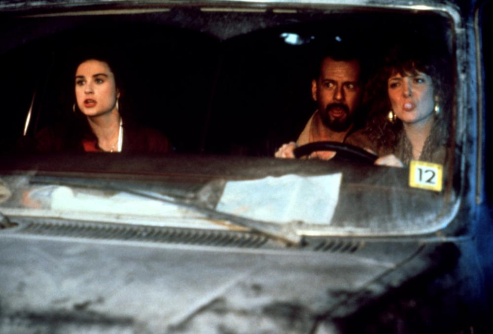 MORTAL THOUGHTS, Demi Moore, Bruce Willis, Glenne Headly, in car, 1991