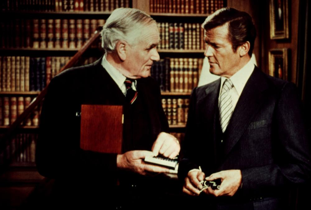 OCTOPUSSY, Desmond Llewelyn, Roger Moore, 1983, (c) United Artists