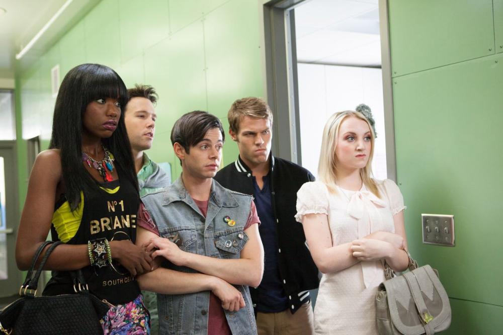 G.B.F., from left: Xosha Roquemore, Taylor Frey, Paul Iacono, Brock Harris, Evanna Lynch, 2013. ph: Kate Romero/©Vertical Entertainment