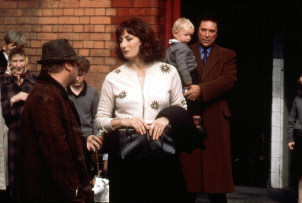 AGNES BROWNE, Anjelica Huston, Tom Jones, 1999