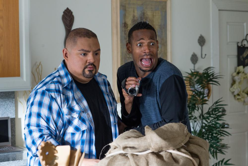 A HAUNTED HOUSE 2, from left: Gabriel Iglesias, Marlon Wayans, 2014. ph: Will McGarry/©Open Road Films