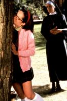 SUPERSTAR, Molly shannon (left), 1999, kissing a tree
