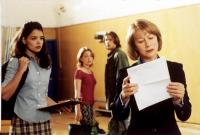 TEACHING MRS. TINGLE, Katie Holmes, Marisa Coughlan, Barry Watson, Helen Mirren, 1999, waiting anxiously