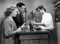 PSYCHO, Vera Miles, John Gavin, Tony Perkins, 1960, checking into motel