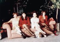 WOMEN ON THE VERGE OF A NERVOUS BREAKDOWN, (aka MUJERES AL BORDE DE UN ATAQUE DE NERVIOS), from left, Maria Barranco, Rossy de Palma, Julieta Serrano, Carmen Maura, 1988, ©Orion Pictures