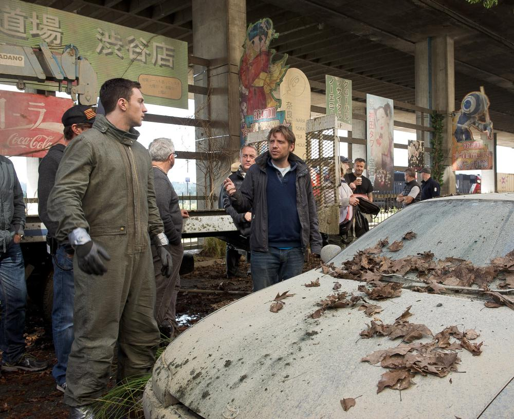 GODZILLA, from left: Aaron Taylor-Johnson, director Gareth Edwards, on set, 2014. ph: Kimberley French/©Warner Bross. Pictures