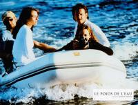 THE WEIGHT OF WATER, (aka LE POIDS DE L'EAU), Josh Lucas (sunglasses), Elizabeth Hurley (front left), Catherine McCormack camera), Sean Penn (mustache), 2000, © Lions Gate