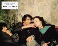 VAGABOND, (aka SANS TOIT NI LOI), Sandrine Bonnaire (right), 1985, © Grange