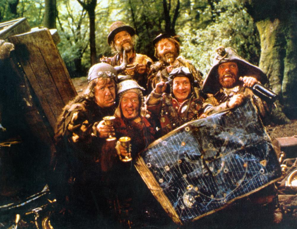 TIME BANDITS, Malcolm Dixon, Tiny Ross, Jack Purvis, David Rappaport, Kenny Baker, Mike Edmonds, 1981. (c) Avco Embassy