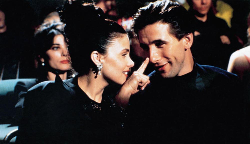 THREE OF HEARTS, from left, Sherilyn Fenn, William Baldwin, 1993, ©New Line Cinema