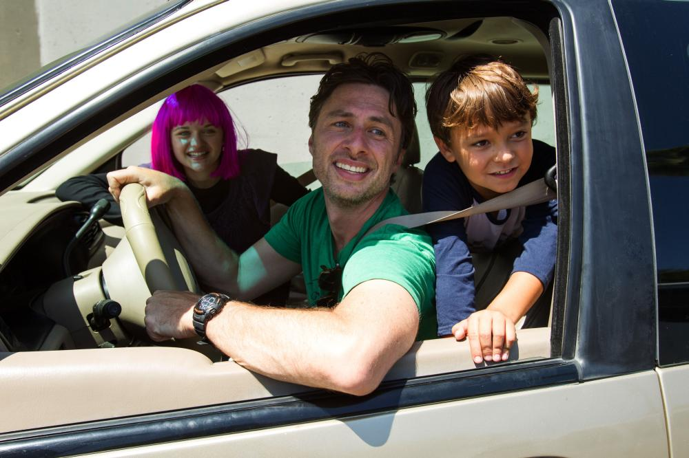 WISH I WAS HERE, from left: Joey King, Zach Braff, Pierce Gagnon, 2014. ph: Merie Weismiller Wallace/©Focus Features