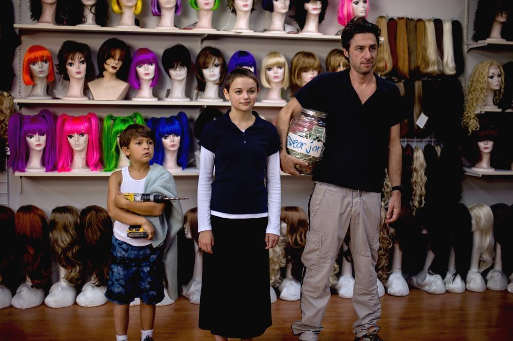 WISH I WAS HERE, from left: Pierce Gagnon, Joey King, Zach Braff, 2014. ph: Merie Weismiller Wallace/©Focus Features