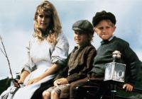 A SUMMER STORY, from left, Imogen Stubbs, Oliver Perry, Lee Billett, 1988, TM and copyright ©Warner Brothers. All rights reserved/.