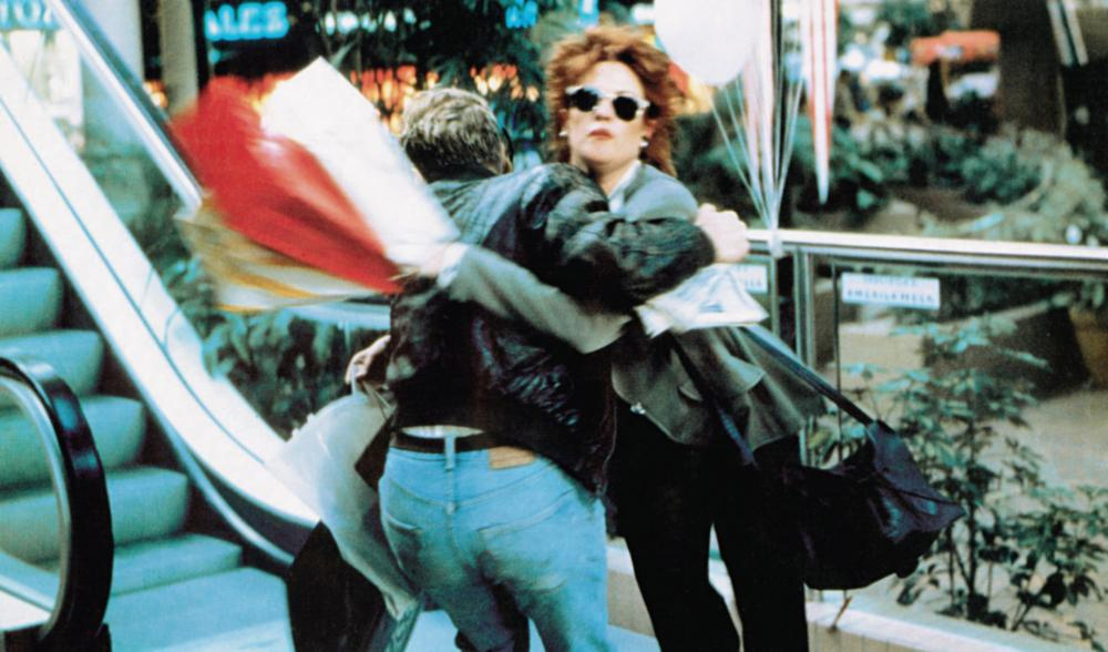 STORMY MONDAY, Sean Bean (back to camera), Melanie Griffith, 1988, © Atlantic Releasing