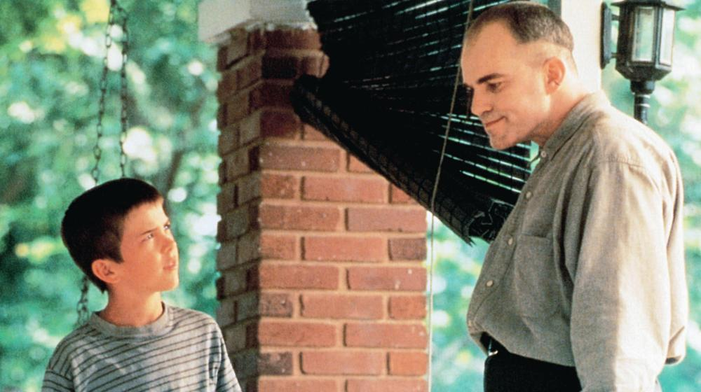 an analysis of sling blade a film by billy bob thornton Sling blade (1996) official trailer - billy bob thornton movie hd 25 years after committing an unthinkable crime, a quiet man named karl finally returns home sling blade (12/12) movie clip - i aim to kill you (1996) hd - duration: 2:43 movieclips 770,393 views.