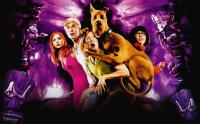 SCOOBY-DOO, from left: Sarah Michelle Gellar, Freddie Prinze Jr., Matthew Lillard, Scooby-Doo, Linda Cardelini, 2002, © Warner Brothers