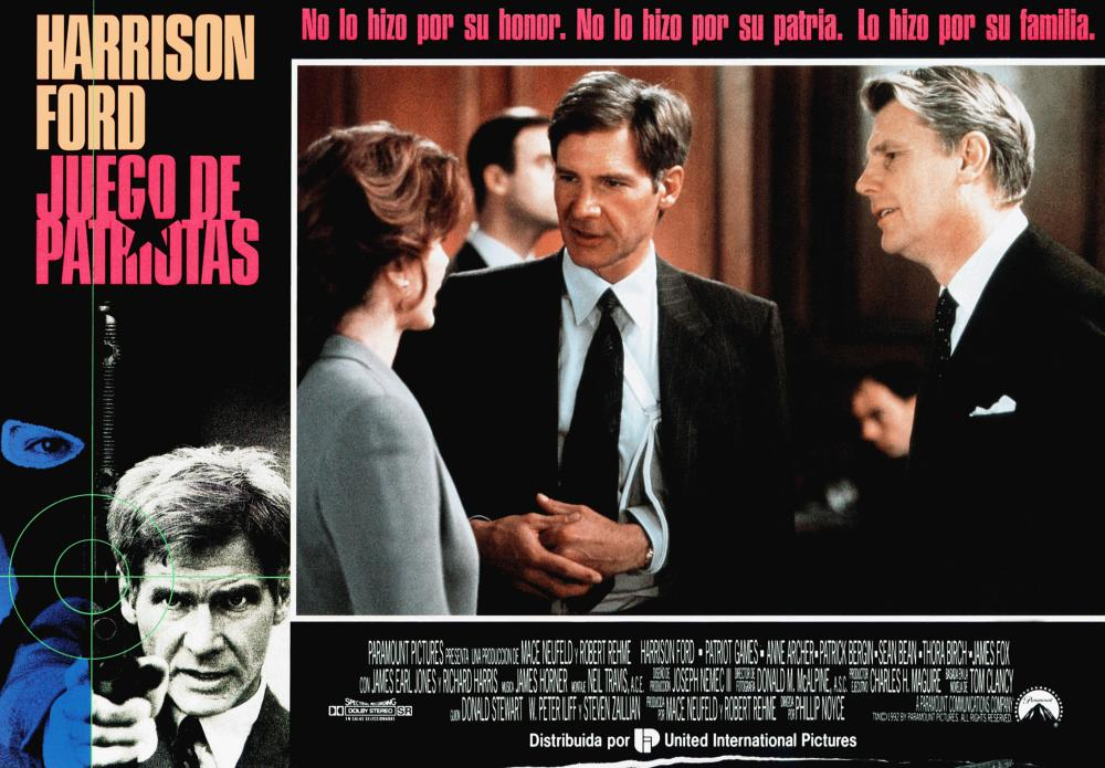 PATRIOT GAMES, (aka JUEGO DE PATRIOTAS), Harrison Ford (left), center from left: Anne Archer, Harrison Ford, James Fox, 1992, © Paramount