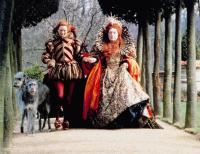 ORLANDO, from left: Tilda Swinton, Quentin Crisp as Queen Elizabeth I, 1992, © Sony Pictures Classics