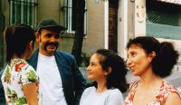 A LA PLACE DU COEUR, (aka WHERE THE HEART IS), Jean-Pierre Darroussin (second from left), Ariane Ascaride (right), 1998, © Diaphana