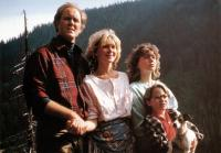 HARRY AND THE HENDERSONS, from left: John Lithgow, Melinda Dillon, Margaret Langrick, Joshua Rudoy, 1987. ©Universal
