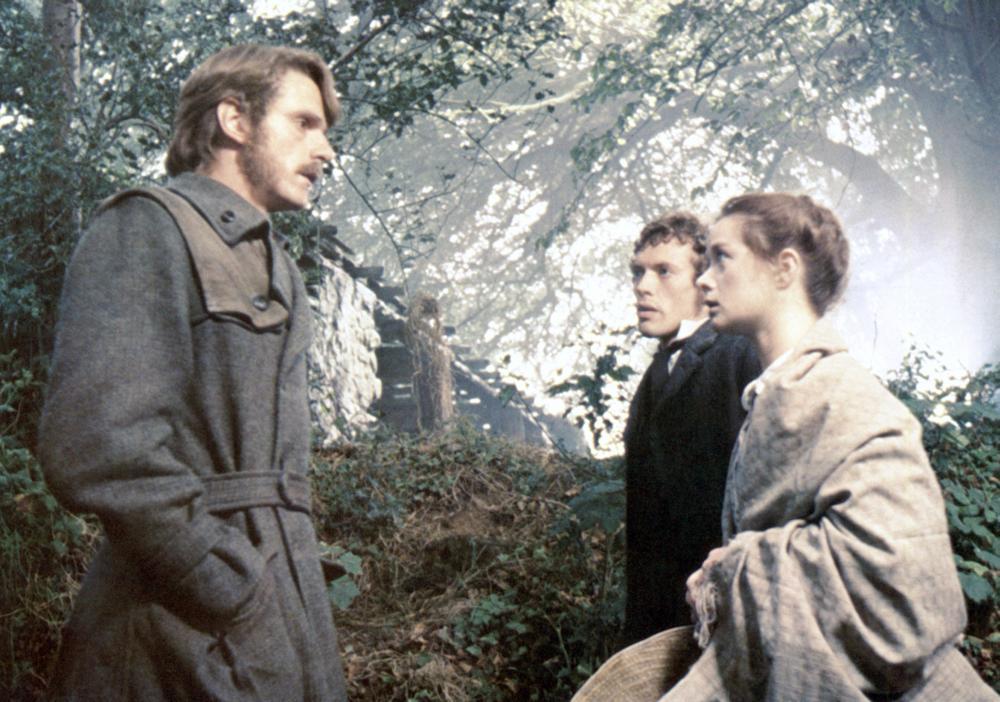 THE FRENCH LIEUTENANT'S WOMAN, Jeremy Irons, Hilton McRae, Emily Morgan, 1981, (c) United Artists