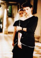 A FEW DAYS IN SEPTEMBER, (aka QUELQUES JOURS EN SEPTEMBRE), Juliette Binoche (front), Sara Forestier, 2006, © Weinstein Company