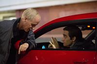 NIGHTCRAWLER, from left: director Dan Gilroy, Jake Gyllenhaal, on set, 2014. ph: Chuck Zlotnick/©Open Road Films