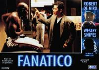 THE FAN, (aka FANATICO), from left: Wesley Snipes, John Leguizamp, right from top: Robert De Niro, Wesley Snipes, 1996, © TriStar